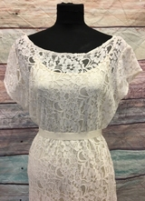 1930's-style Ivory lace gown with t-shirt-sleeves/46
