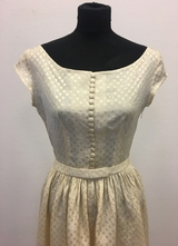 1940's Cream taffeta gown with train/36