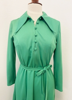 1970's Green dress with long sleeves/38-40