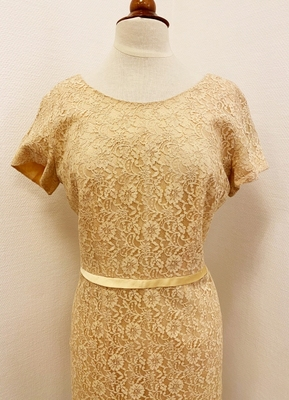1950's Nude lace wiggle dress/42