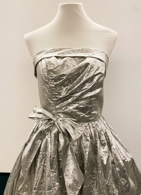 1980's Silver foil strapless gown/36