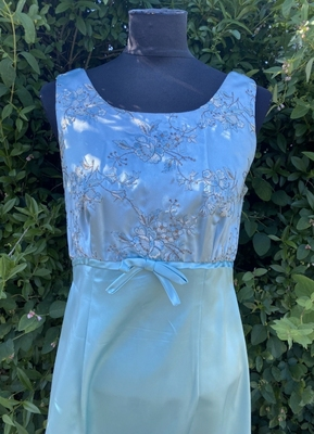 1960's Turquoise satin gown/36