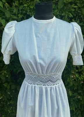 1970's White hippie dress/32
