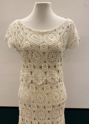 1930's-style Cream knitted lace gown/40-42