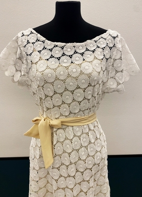 1930's-style Ivory daisies gown/38