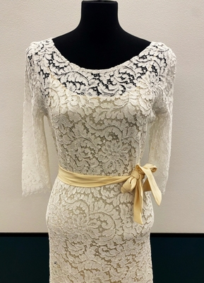 1930's-style Ivory lace gown with open back/38