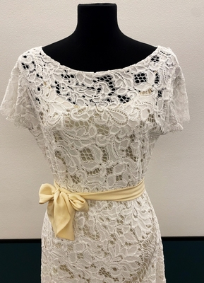 1930's-style Ivory floral cotton lace gown/40
