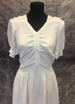 1940's White draped crepe gown/36
