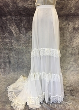 1970's White chiffon/lace skirt/36