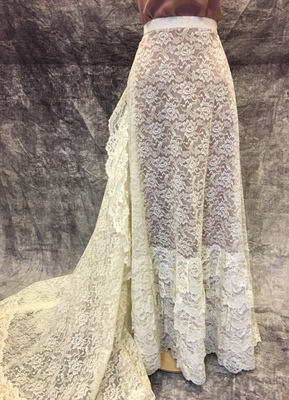 1970's Cream lace skirt with ruffles and train/38