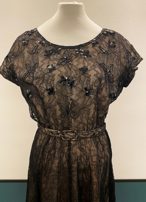 1950's Black and nude lace dress/38